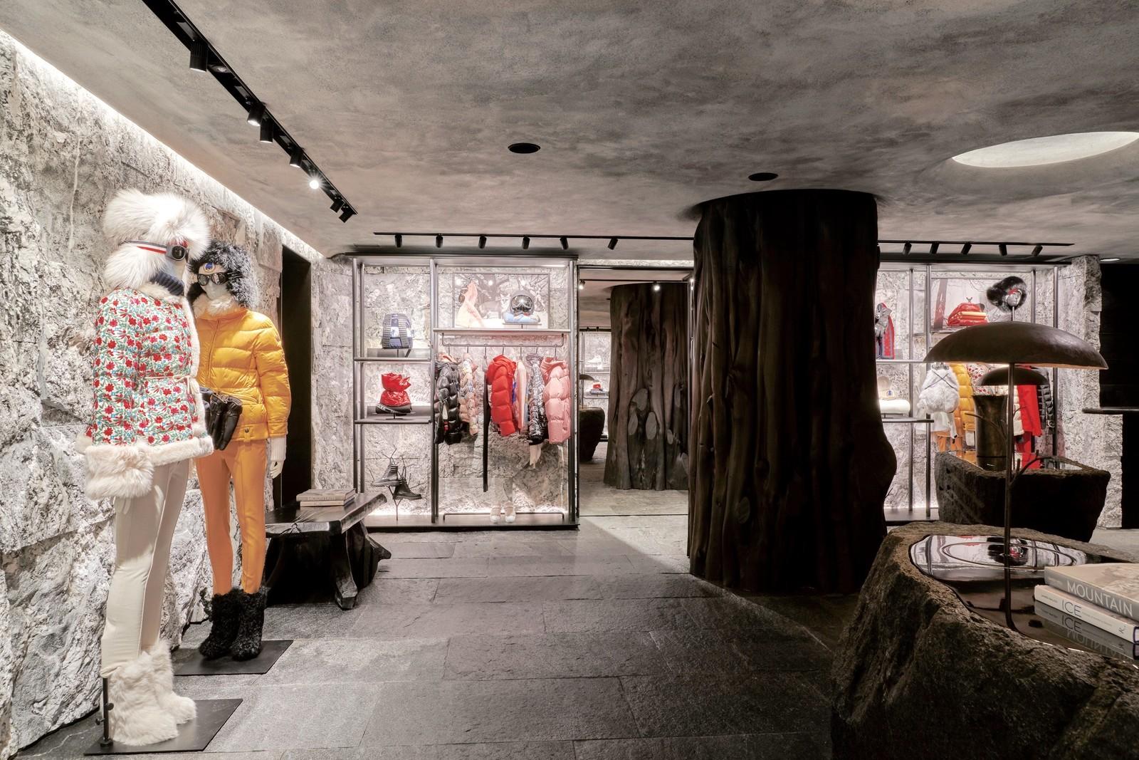 huge discount c4c0d 78a4c Küchel Architects - Moncler Shop Gstaad